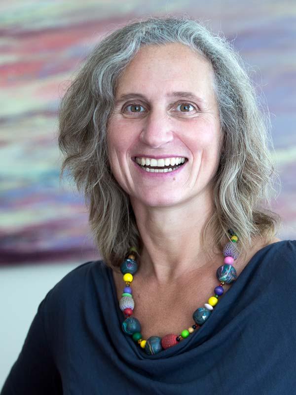 Christina Wiegele in der Praxis am Kunsthaus